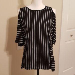Stylish Cold Shoulder Short Sleeved Top XL